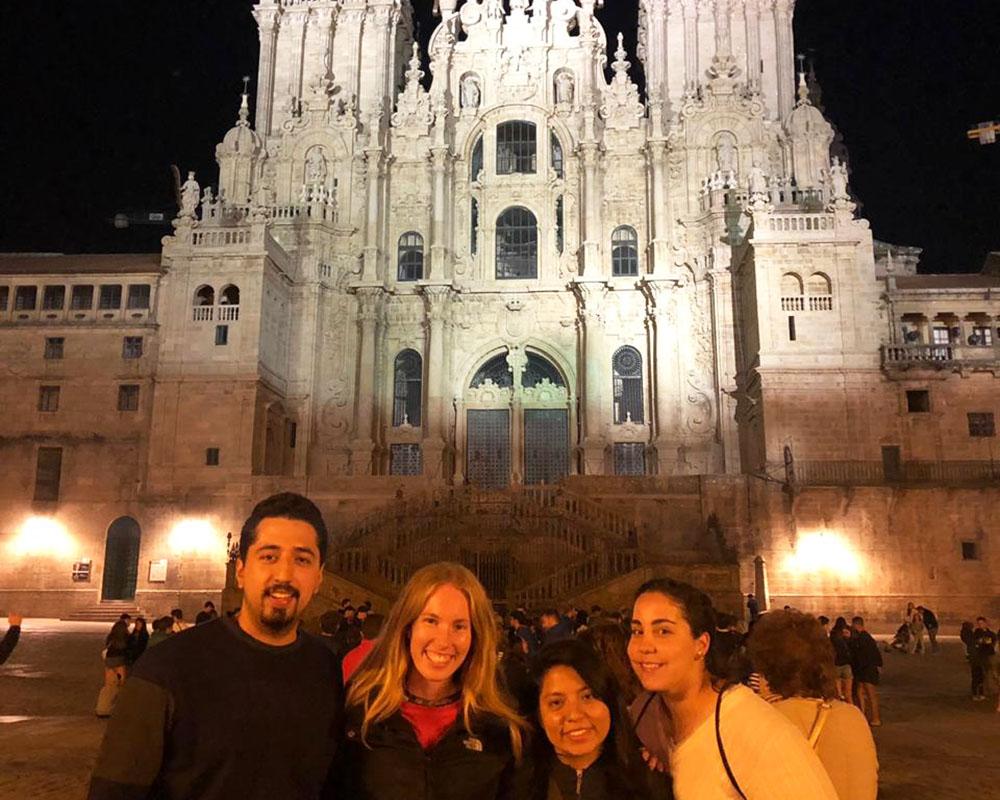 4 / 4 - Exitosa participación de Alumnos de Medicina en el International Walking Community en España