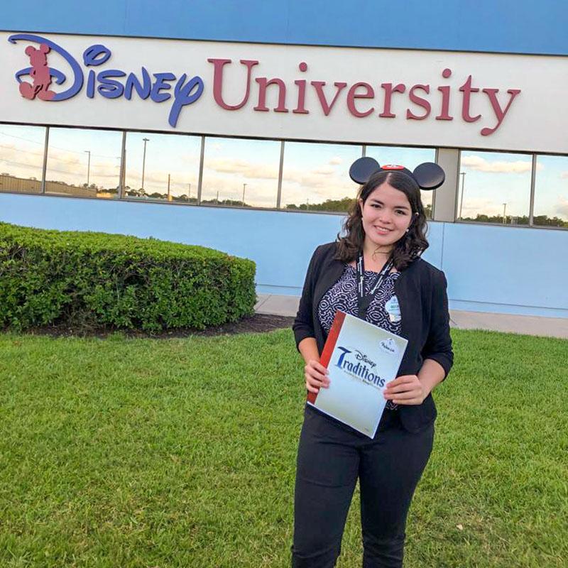 1 / 4 - Exitosa Participación de Negocios Internacionales en el Disney ICP 2019