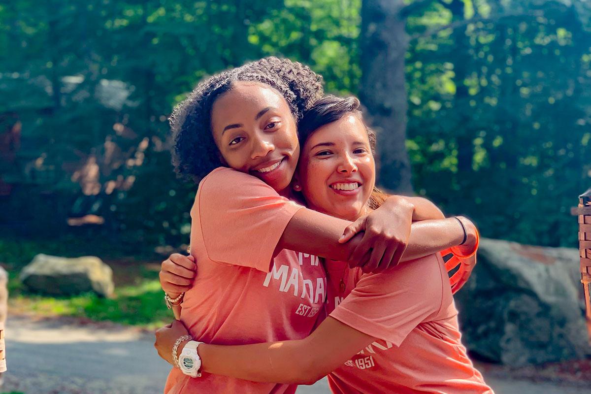 2 / 4 - Participación de Alumna de Psicología en el Programa de Campamentos de Verano