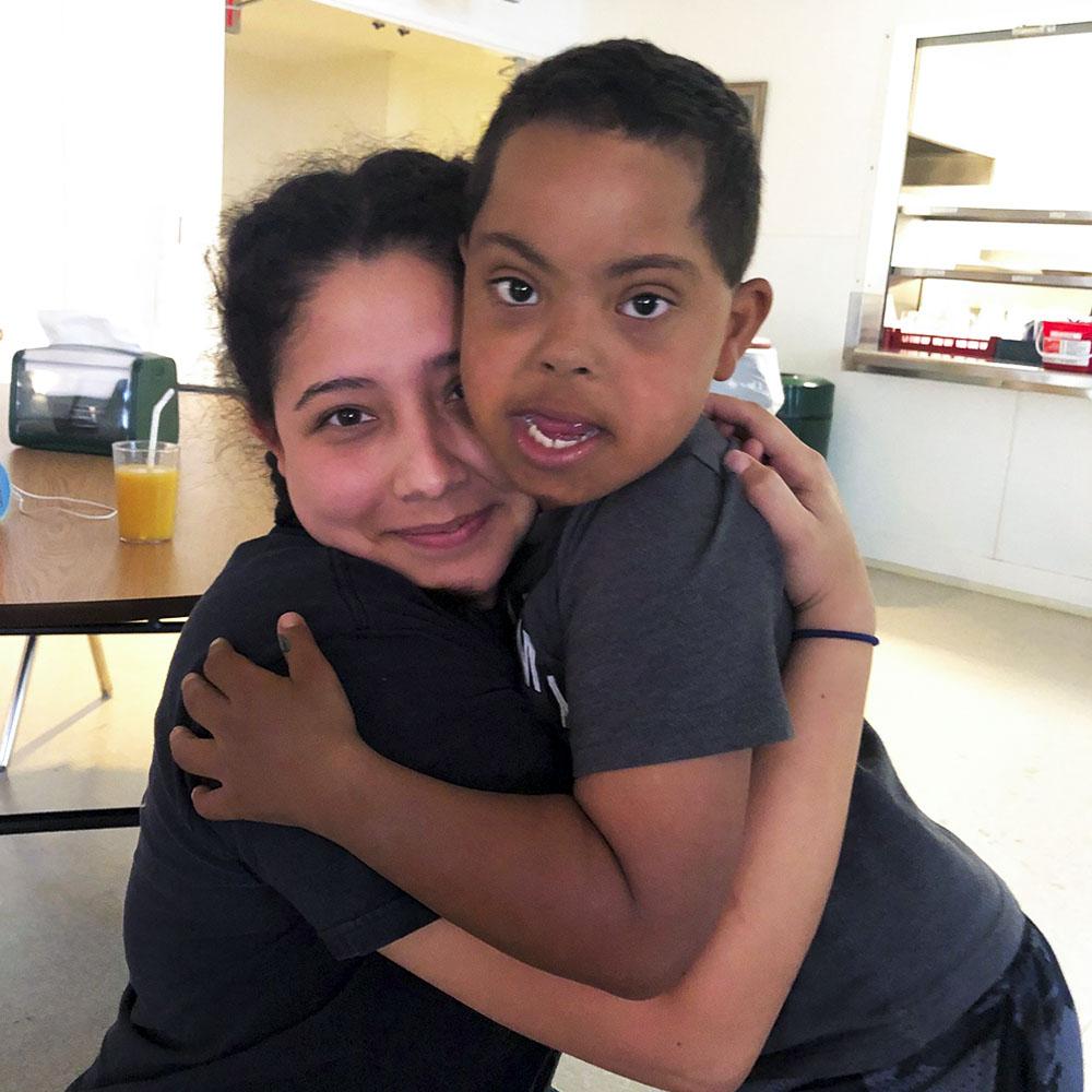 2 / 5 - Participación de Alumna de Negocios Internacionales en los Campamentos de Verano 2019