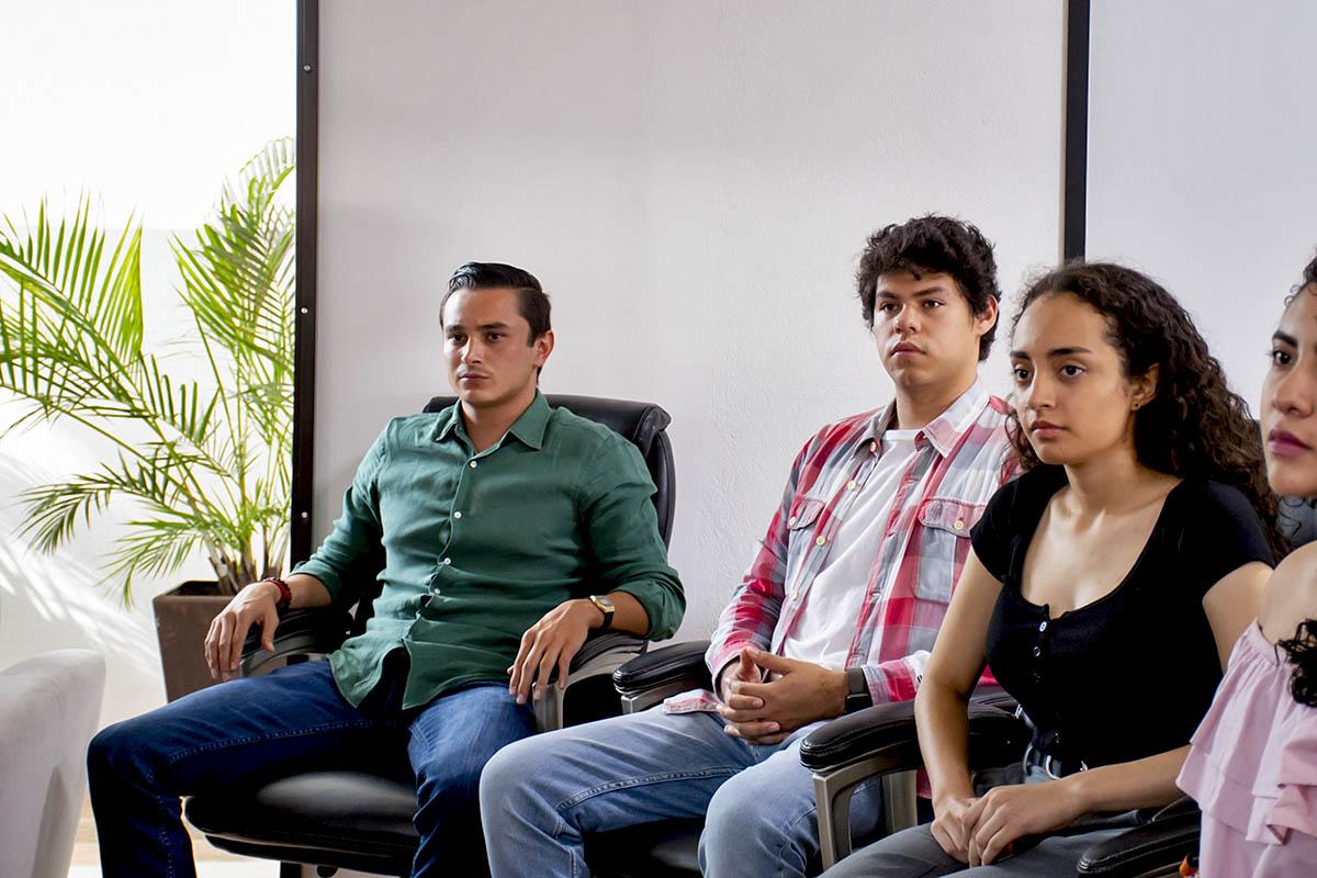 3 / 5 - Entrega de Acta a Presidenta Electa FESAL