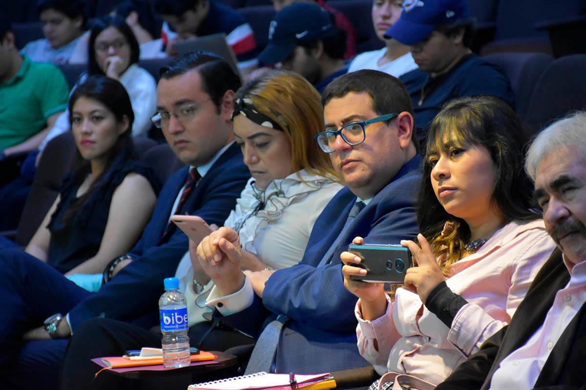 4 / 8 - II Foro de Finanzas y Mercados