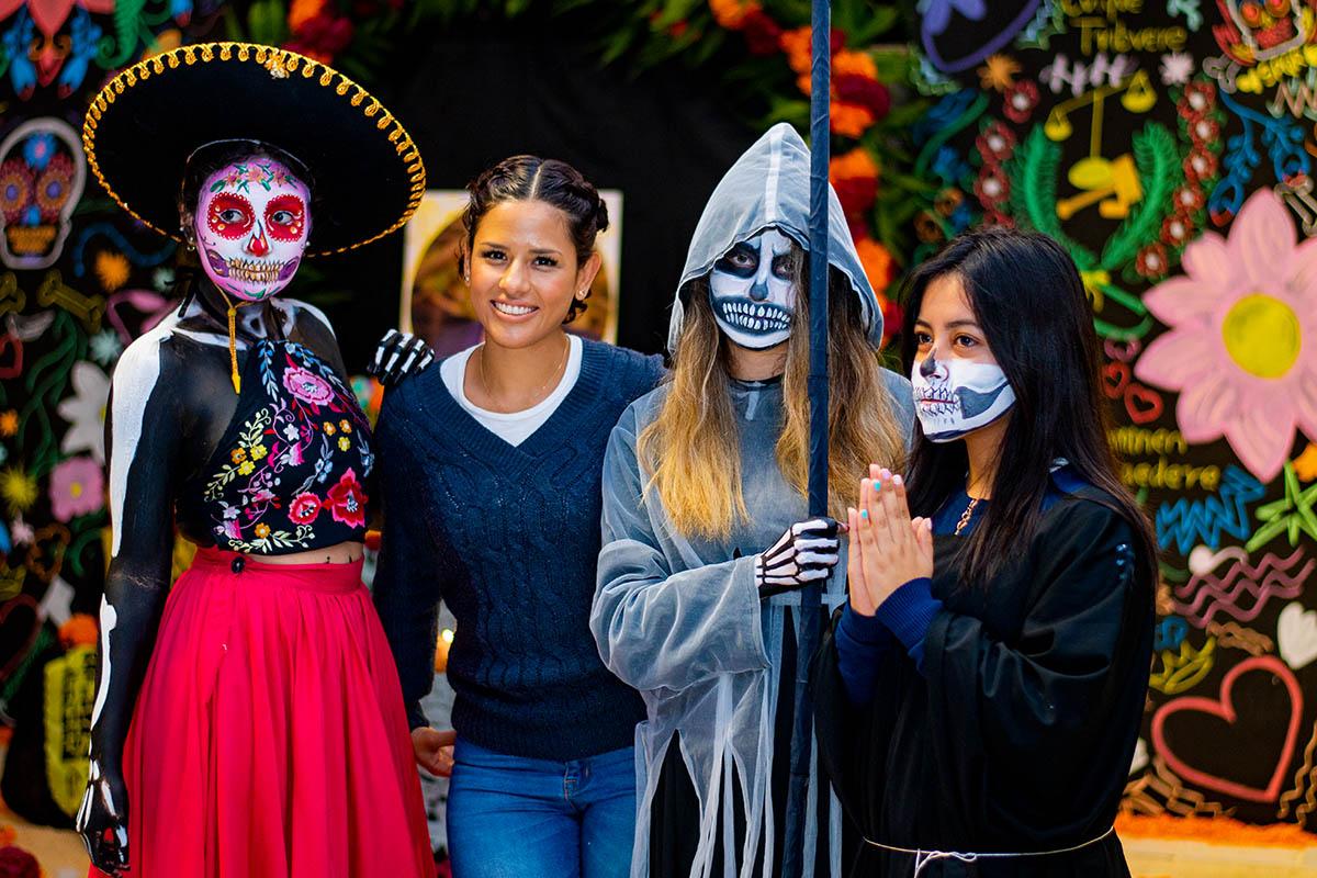 1 / 33 - Asústame Panteón: La Fiesta de los Vivos Anáhuac 2019