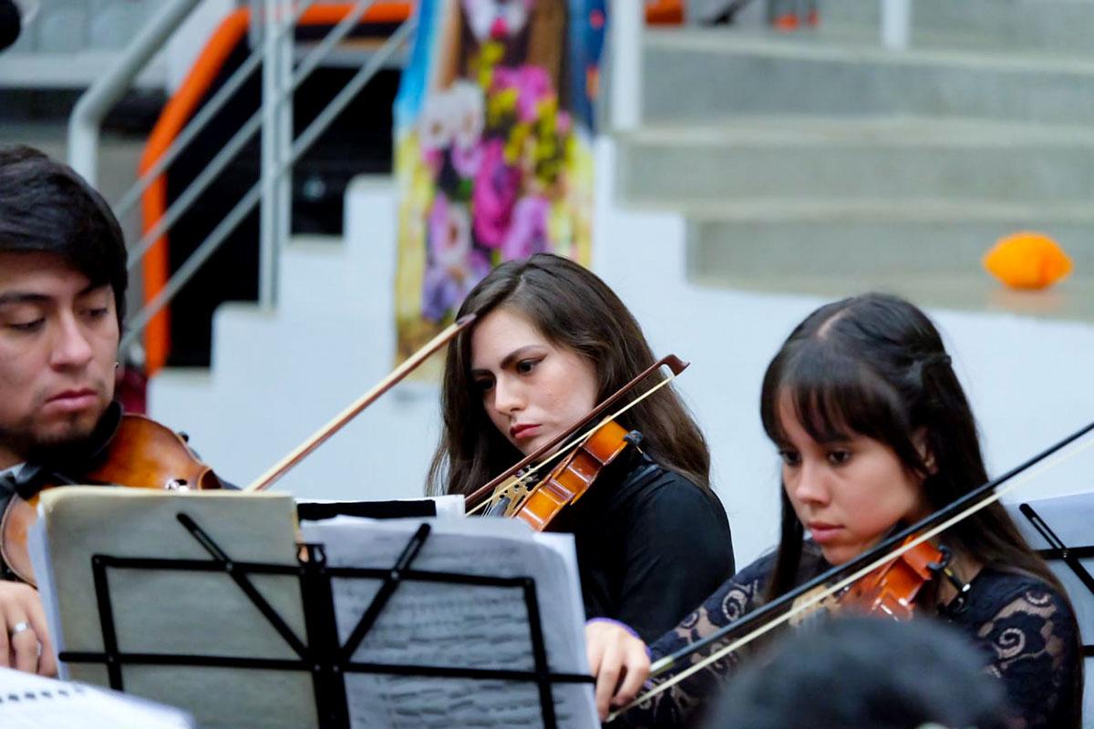 2 / 13 - Espectacular Concierto de la Orquesta Filarmónica de Xalapa