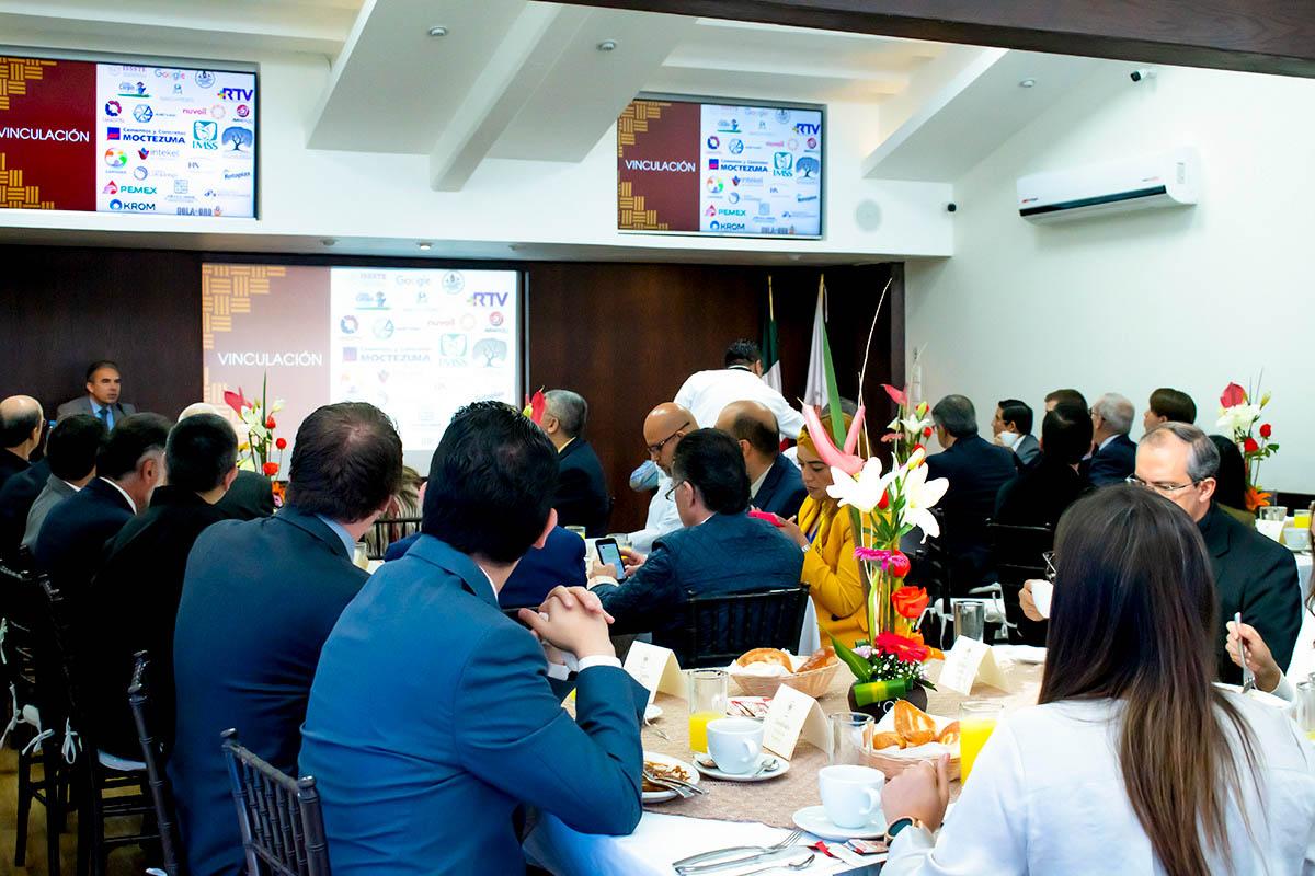 4 / 6 - III Edición del Desayuno para Consejeros Consultivos Anáhuac