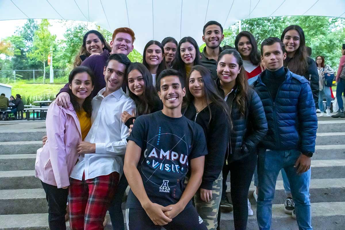 2 / 4 - Reunión Anual de la Escuela de Mercadotecnia