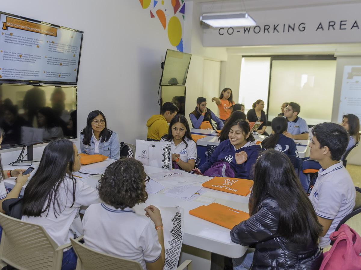 38 / 114 - Campus Visit 2019 - Galería