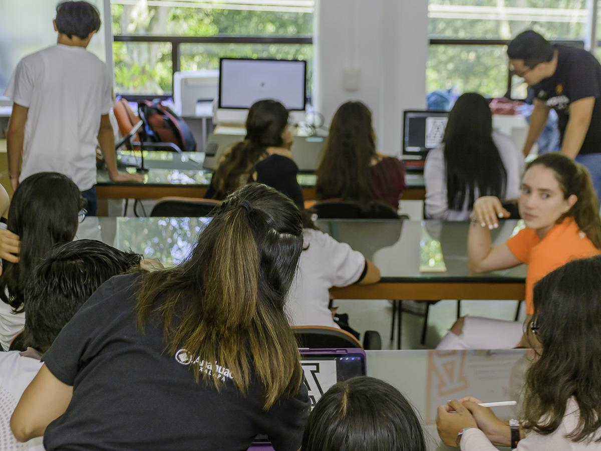 99 / 114 - Campus Visit 2019 - Galería