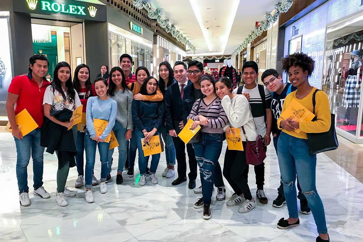 4 / 4 - Visitas Empresariales de Mercadotecnia: Palacio de Hierro Polanco y Agencia Leo Burnett