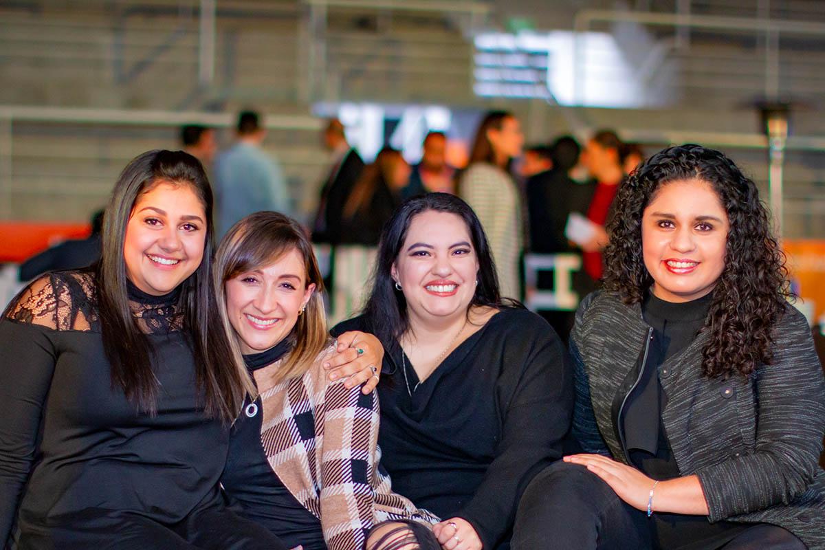11 / 19 - Brindis Navideño de Egresados 2019: Back to the Beginning