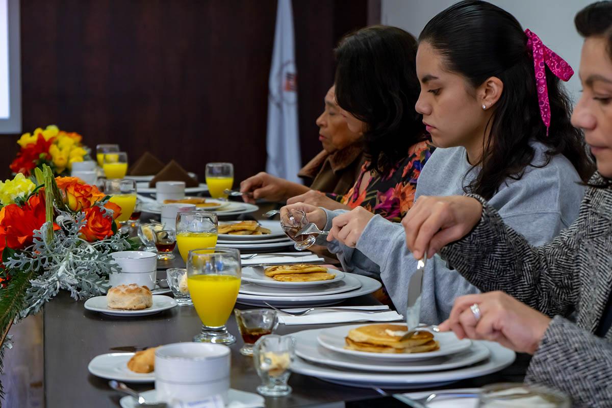 7 / 7 - Desayuno con Familias Internacionales Anáhuac Xalapa