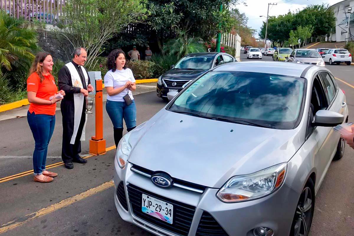 3 / 5 - Primera Jornada de Bendición de Coches en la Anáhuac