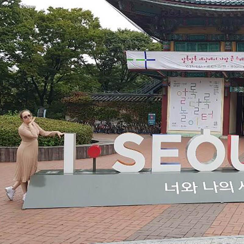 2 / 8 - Alumna de Ingeniería Mecatrónica de Intercambio en Corea del Sur