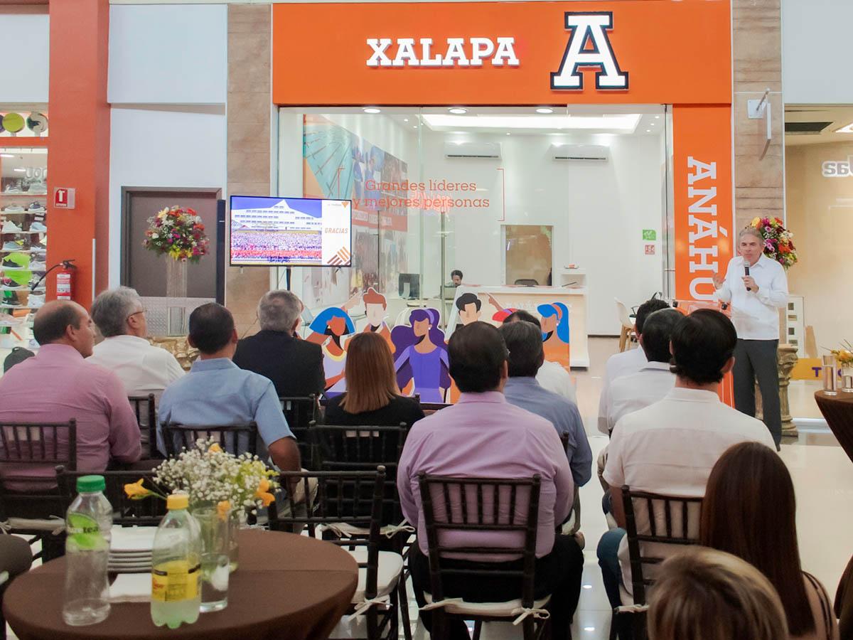 1 / 3 - Universidad Anáhuac Xalapa Refrenda su Compromiso con la Juventud del Norte del Estado