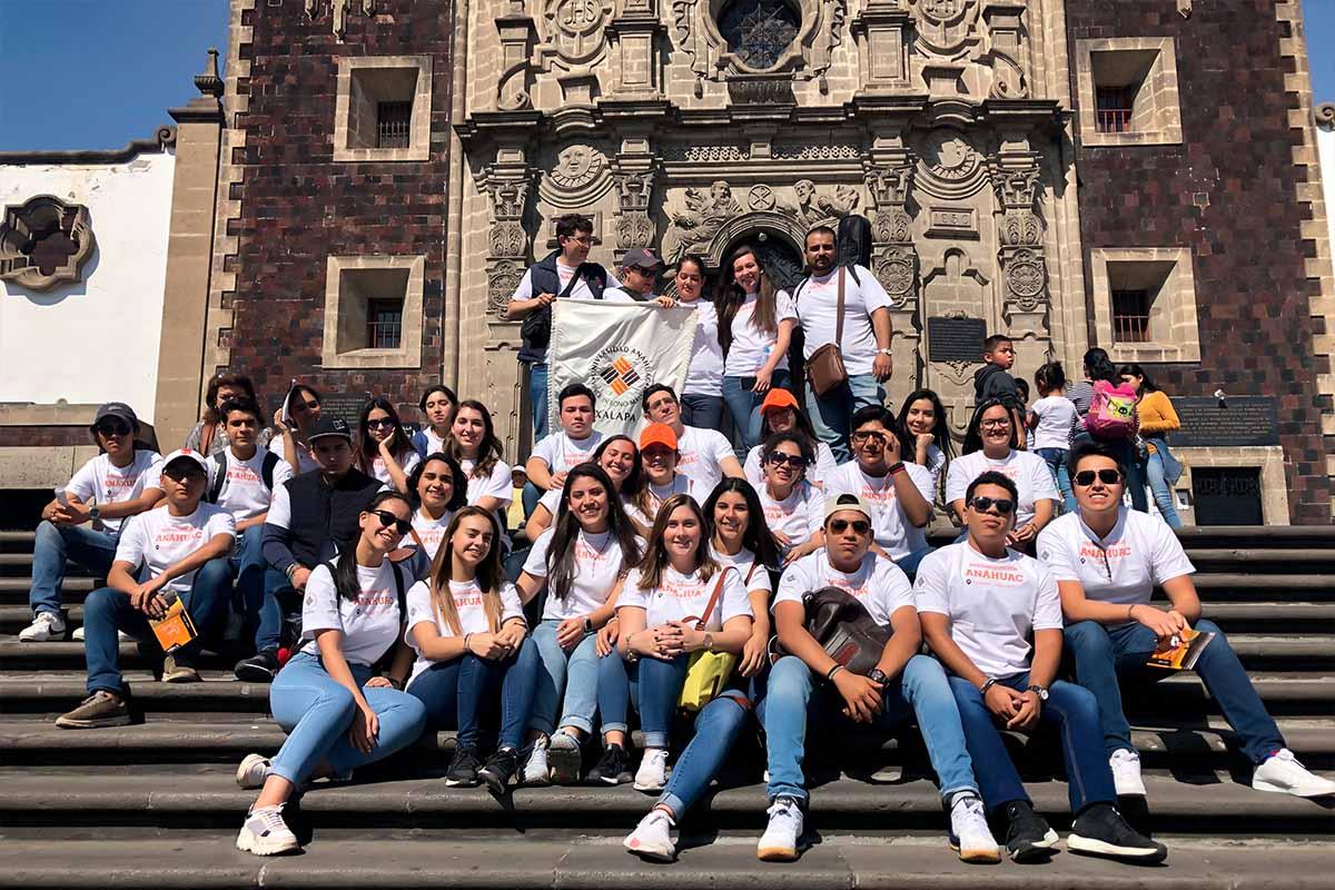 5 / 5 - Jóvenes Universitarios Anáhuac a los Pies de la Guadalupana