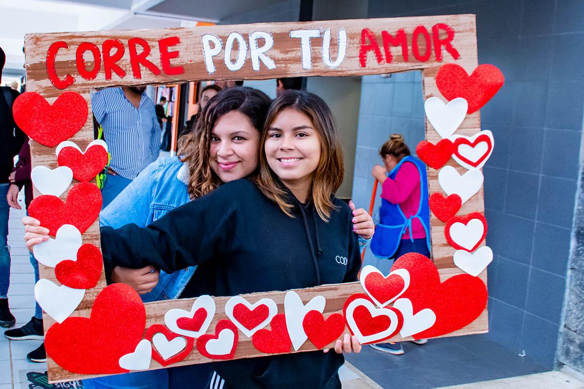 1 / 11 - Amor y Amistad 2020