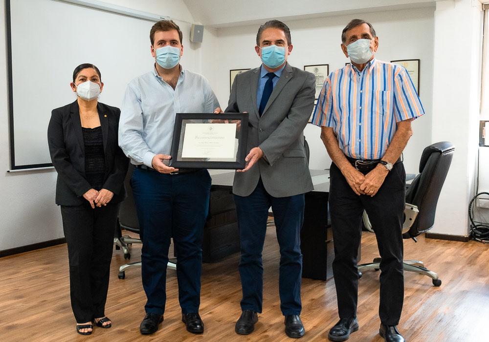 5 / 6 - Reconocimiento al Lic. Juan Bosco Pérez Acasuso