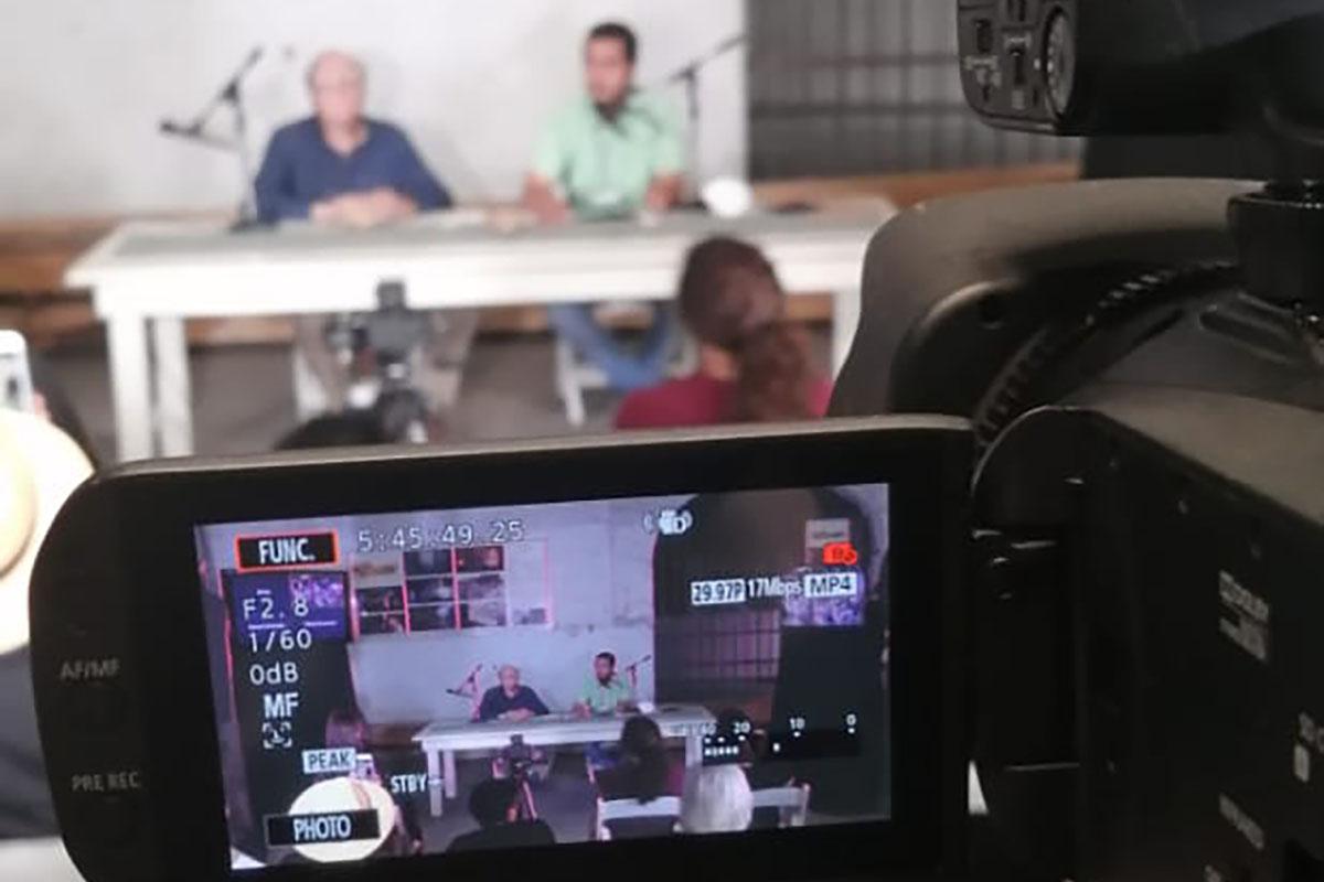 2 / 5 - La Escuela de Comunicación y Entretenimiento Presente en la 1ra Subasta de Café