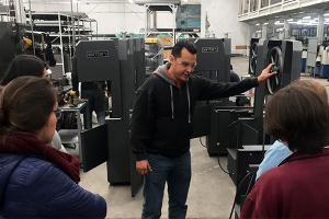 Alumnos de Ingeniería visitan la Planta Industrial de Digitop