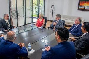 Las Escuelas de Medicina y de Economía y Negocios consolidan colaboración con la Universidad de Nebraska