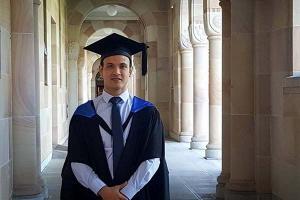 Egresado de Negocios Internacionales se gradúa de la Universidad de Queensland, Australia