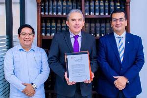 Firma de Convenio Académico con la Universidad de León, España