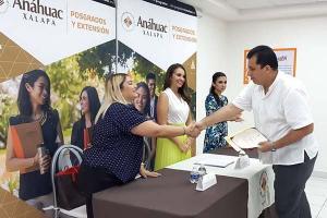 Concluye el Primer Diplomado Anáhuac en el nuevo espacio de Capacitación en Veracruz