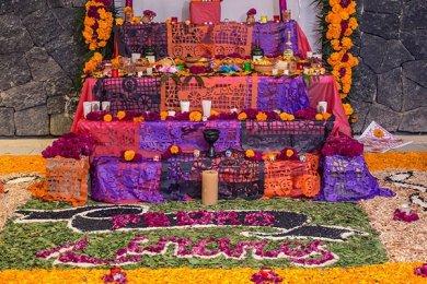 Tradición y Recuerdos en la Celebración de Día de Muertos