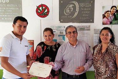 La ESTI 128 participa en la Campaña de Recolección de Tapitas