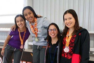Prepa Anáhuac Xalapa celebra Competencia de Natación