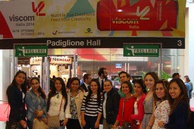 Alumnos de Comunicación en viaje de estudios al VISCOM 2014
