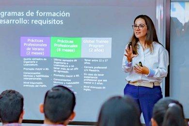Egresados Anáhuac Xalapa y Empresas Buscadoras de Talento Convergen en la IV Edición de la Jornada Laboral Anáhuac
