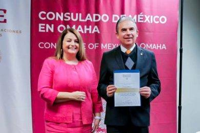 Consulado de México en USA reconoce al Dr. Luis Linares