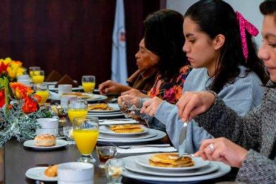 Desayuno con Familias Internacionales