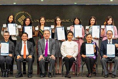 Administración y Dirección de Empresas Refrenda Padrón 1PLUS de Excelencia Académica